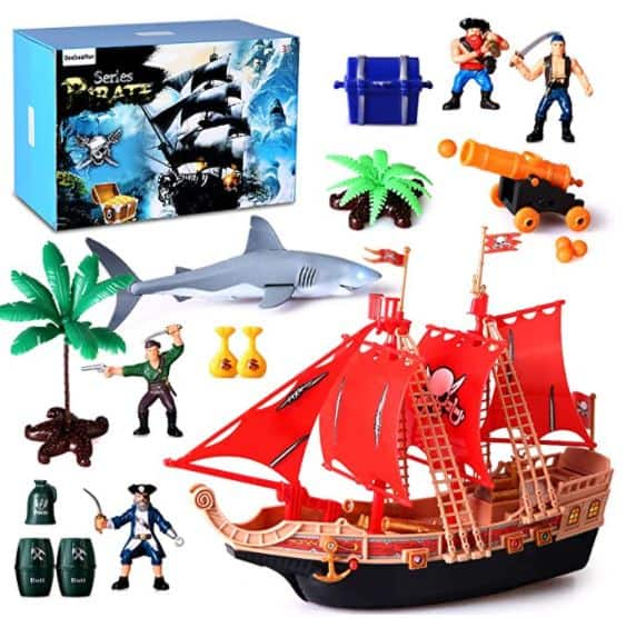 BeebeeRun Pirate Ship Action Figures