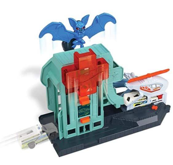 Hot Wheels Attack Bat Hospital Toy Set