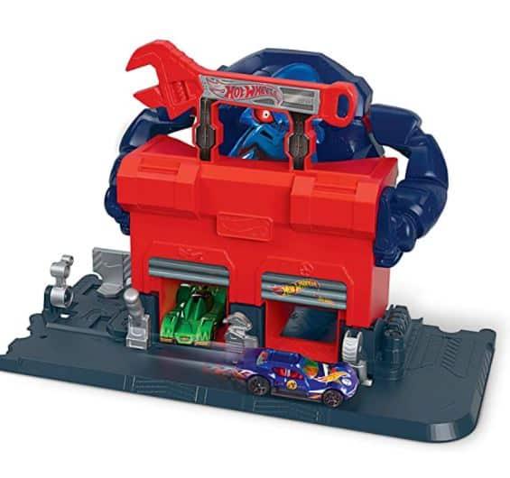 Hot Wheels Gorilla Garage Attack Play set